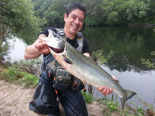 Sergio Ferreiro, de Santiago de Compostela, 4,160 kg a cucharilla en el puesto de Venezuela, coto de Ximonde.