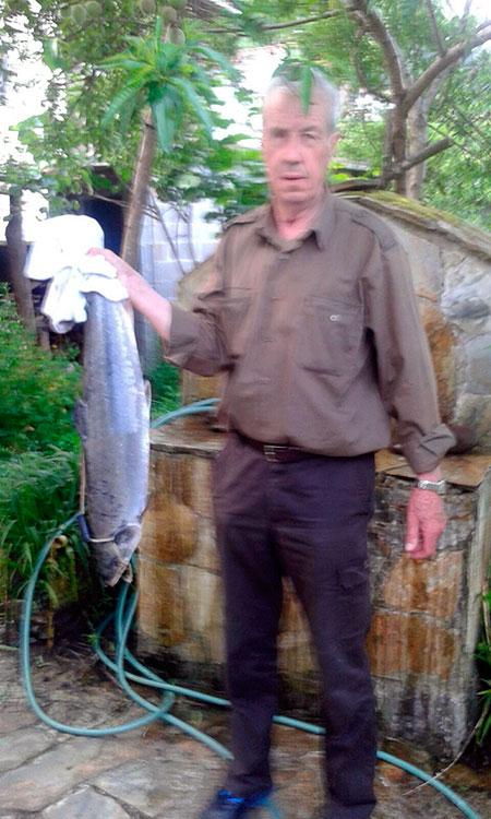 Manuel García Blanco, de Oviedo, 5 kg, a cebo natural en el coto de Puente Viejo.