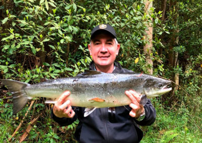 Virgilio Alonso, salmón en Louredal