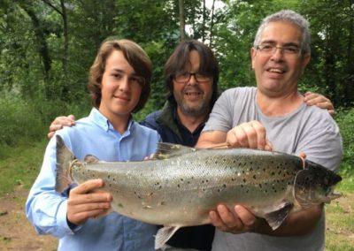 Salmón pescado en el coto de La Llonga